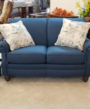 scallop front loveseat